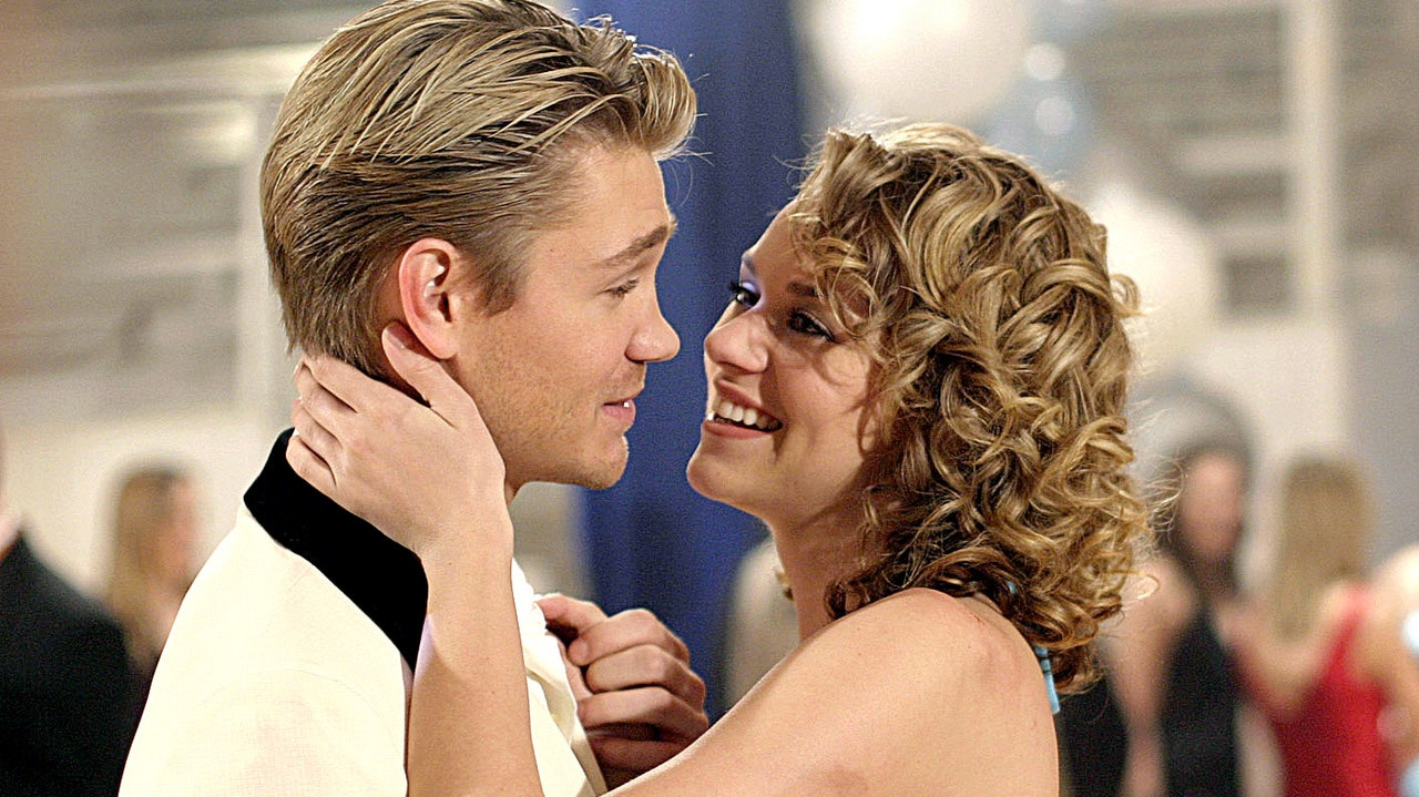 Hilarie Burton Recalls the One Tree Hill Sex Scene That Left Her Crying in Her Trailer